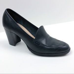 Vintage Navy Blue Leather Loafer Heels